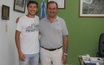 Colombo recibió al deportista recreíno Valentín Della Giustina