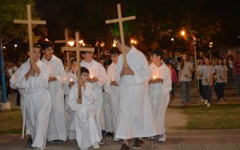 Decenas de vecinos participaron del Vía Crucis radial en nuestra ciudad