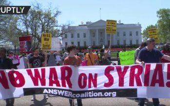 Estadounidenses protestan en Washington contra el ataque a Siria