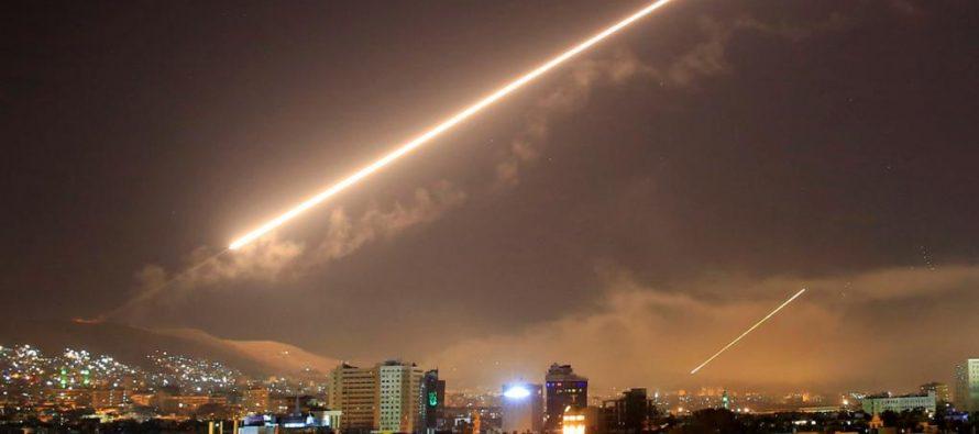 """EE.UU., el Reino Unido y Francia concretaron la ofensiva en """"puntos estratégicos"""" de Siria"""