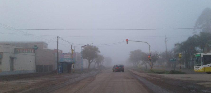Densa niebla en el inicio de este viernes