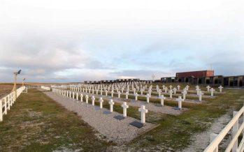 Identificaron en el cementerio Darwin los restos de otro soldado caído en Malvinas