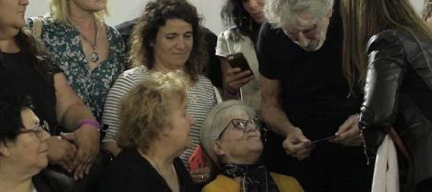 Emotivo encuentro de Roger Waters con familiares de caídos en Malvinas
